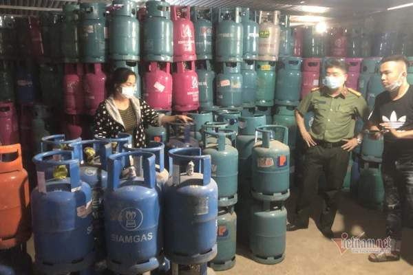 Đột kích cơ sở sang chiết hơn 500 tấn gas ở Hải Dương, nhái các hãng