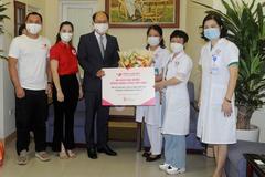 Tổng Cục Du lịch Hàn Quốc tại Việt Nam tiếp sức tuyến đầu chống dịch