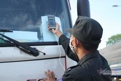 Ô tô qua chốt ở Quảng Ngãi vẫn được kiểm soát nghiêm ngặt