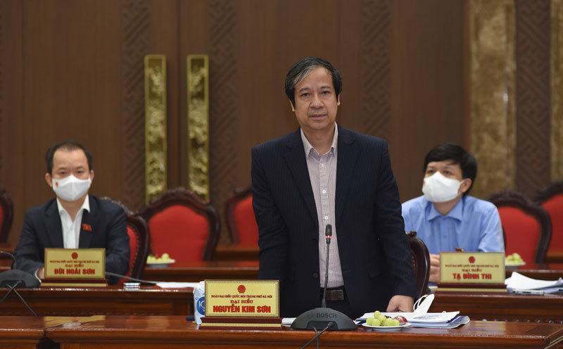 Bộ trưởng GD-ĐT đề nghị Hà Nội xem xét cho học sinh ngoại thành trở lại trường