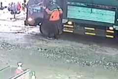 Điều tra vụ người mặc áo shipper lấy trộm hơn 300 triệu của tài xế
