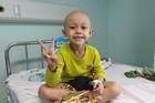 Cháu bé 4 tuổi ung thư cầu xin bác sĩ qua từng cơn đau