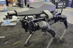 Chó robot trang bị súng trường, nhả đạn trúng mục tiêu cách 1.200m