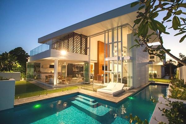Chi đậm xây biệt thự hiện đại có bể bơi ấn tượng vạn người mê