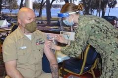 Hải quân Mỹ dọa loại ngũ thủy thủ không tiêm vắc xin phòng Covid-19
