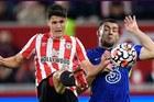 Brentford 0-1 Chelsea: Tuyệt phẩm của Chilwell