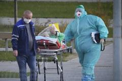 Nga chạm đỉnh ca tử vong, Mỹ chấp nhận du khách tiêm trộn vắc xin Covid-19