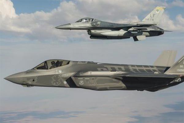 Giận Thổ mua 'rồng lửa' Nga, Mỹ chỉ muốn bán tiêm kích đời cũ thay F-35