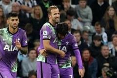 'Song sát' Kane - Son giúp Tottenham qua mặt MU