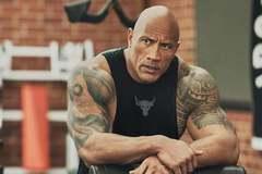 The Rock tập luyện điên cuồng để đóng siêu anh hùng ở tuổi U50