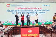 Thaco tặng Hà Nội phương tiện và vật tư y tế chống dịch Covid-19