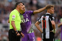 Sao Tottenham giúp cứu CĐV Newcastle đột quỵ trên khán đài