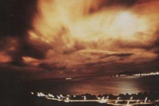 Hé lộ vụ thử bom hạt nhân của Mỹ trên không gian