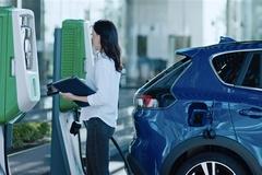 Đâu là vị trí đặt cổng sạc tối ưu trên ô tô điện?