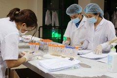 Hà Nội thêm 12 ca Covid-19, 3 trường hợp là nhân viên y tế