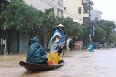 Ngập lụt chưa dứt, miền Trung lại sắp hứng thêm đợt mưa lớn