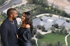 Kim Kardashian bỏ 530 tỷ mua lại dinh thự từng sống chung với chồng cũ