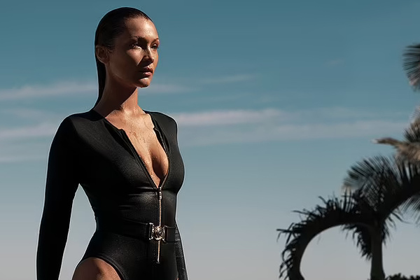 Bella Hadid hóa bondgirl sexy trong loạt ảnh mới