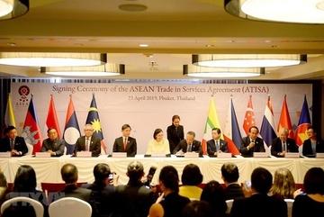 Việt Nam chính thức phê duyệt Hiệp định Thương mại Dịch vụ ASEAN