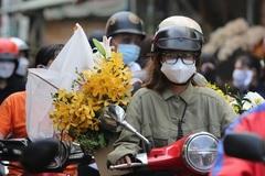 Chợ hoa lớn nhất TP.HCM nhộn nhịp trước ngày Phụ nữ Việt Nam 20/10