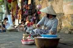 Thứ bánh rẻ tiền khiến nhiều người rong ruổi tìm kiếm khắp ngóc ngách Hà Nội