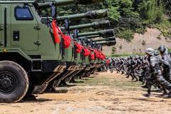 Trung Quốc triển khai hàng trăm pháo tự hành sát biên giới Ấn Độ