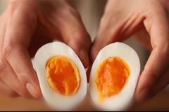 Mẹo luộc trứng lòng đào trong 7 phút