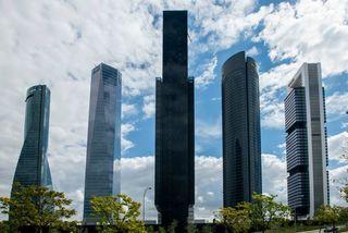 Choáng ngợp trước tháp đại học cao thứ 3 thế giới