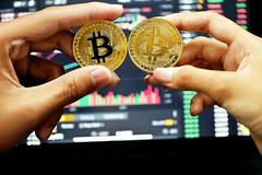 Giá Bitcoin cao chưa từng có, hướng thẳng mốc 70.000 USD