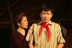 Minh Tít vào vai chính trong vở kịch tôn vinh tình mẫu tử