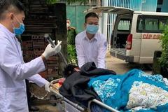 Thanh niên bị bổ dao găm vào đầu ở Quảng Ninh