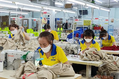 Businesses resume production as workers return