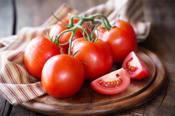 Giảm cân nhờ ăn cà chua hằng ngày