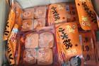 Hà Thành: Ồ ạt mua cốt lẩu Tàu, xuyên đêm sắm iPhone Mỹ