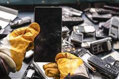 Mỏ vàng từ smartphone và laptop cũ