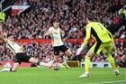 MU 0-2 Liverpool: Quá nhanh, quá nguy hiểm (H1)