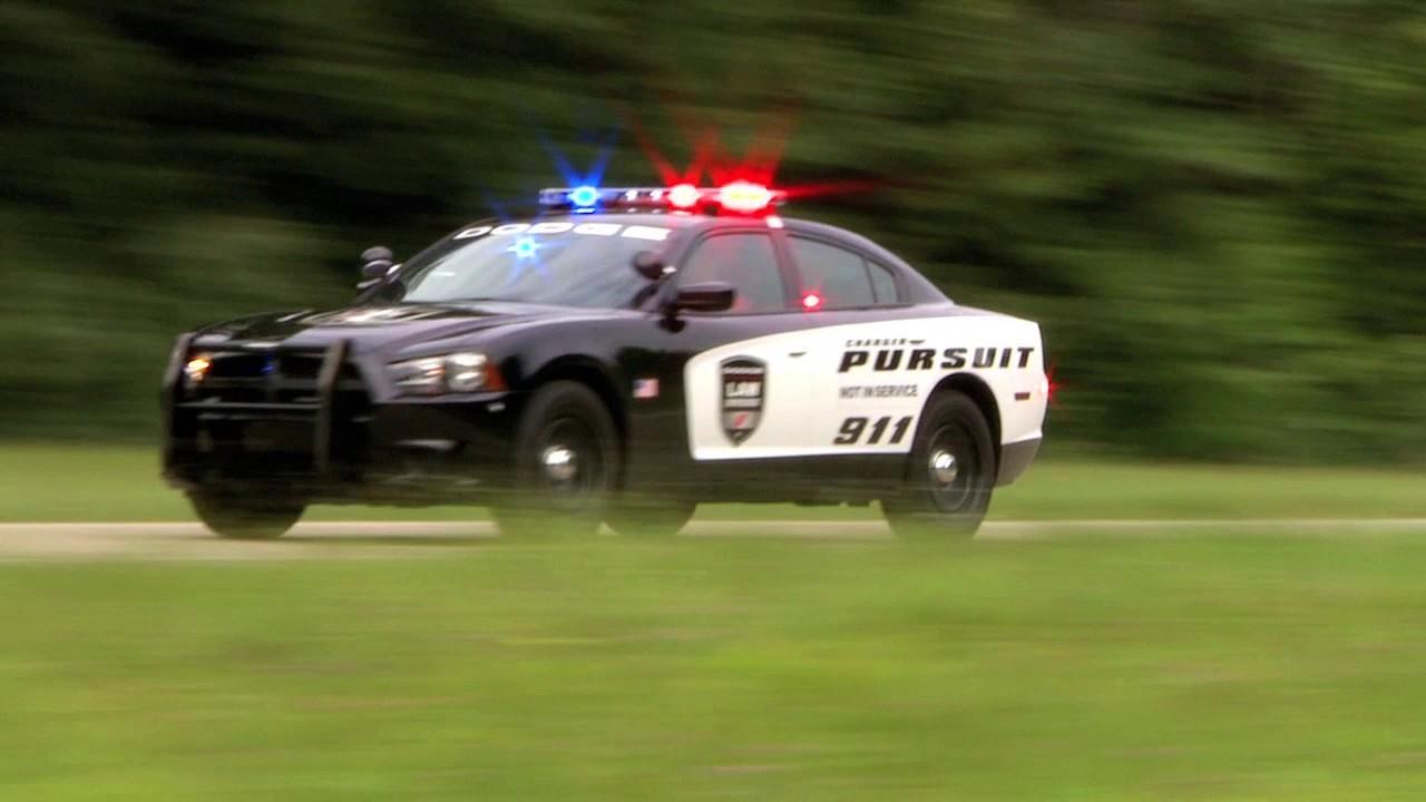 Không nói tiếng Anh khi gọi cảnh sát, 2 người Mỹ mất mạng