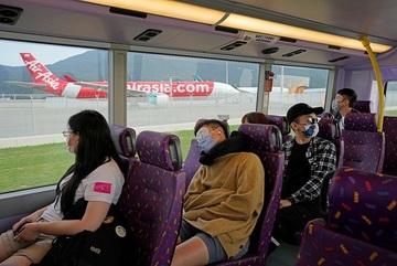 Tour du lịch ngủ trên xe buýt đắt khách ở Hồng Kông