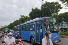 Xe buýt TP.HCM chạy đón khách nội đô sau 4 tháng dừng hoạt động