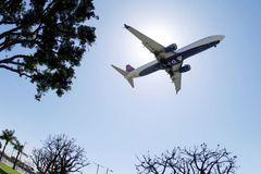 Mỹ ra quy định mới để mở đường bay với du khách quốc tế