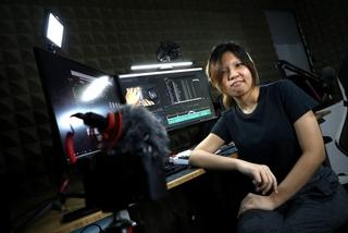 Giới trẻ Singapore tìm đến rượu để quên cuộc sống thật