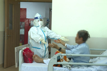 Everyone needs to be extremely cautious: HCM City health authorities