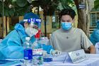 Phụ huynh có con tiêm vắc xin Covid-19: 'Mong an toàn cho tất cả các con'