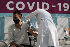 Nga kêu gọi duyệt giấy tiêm chủng, Philippines sắp nhận thuốc Covid-19